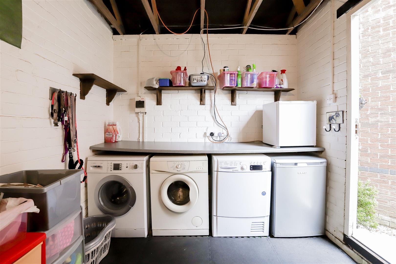 3 Bedroom Detached House For Sale - 30.jpg